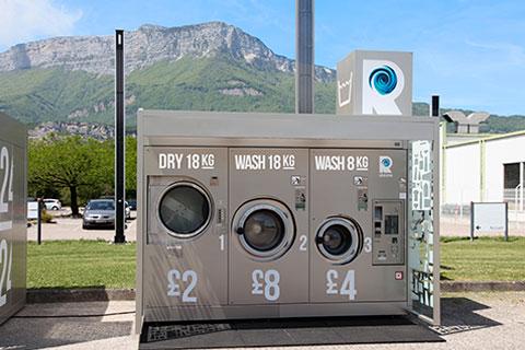 La lavandería Revolution instalada en un aparcamiento